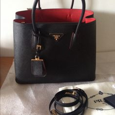Prada saffiano bcuir black medium brand new Please make offers this costs  ober at prada it is current collection Prada Bags Totes 9083c89a470dd