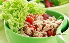 Vyzkoušejte výborný těstovinový salát s tuňákem z konzervy, který je hotový za chviličku. Recept je opravdu velmi snadný a dietní, tak si ho připravte. Gnocchi, Fried Rice, Potato Salad, Fries, Salads, Food And Drink, Potatoes, Ethnic Recipes, Fitness