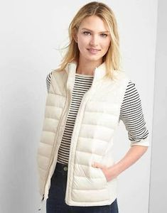 Gap Womens Coldcontrol Lite Puffer Vest Ivory Frost Size S