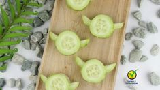 Learn to make Yoda Cucumber Bites, a healthy treat shaped like the Jedi Master, to Fuel your Force with this easy Star Wars recipe! Bd Star Wars, Star Wars Food, Star Wars Cake, Star Wars Birthday, Star Wars Gifts, Star Wars Themed Food, Star Wars Party Food Snacks, Star Wars Essen, Aniversario Star Wars