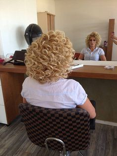 Jim's so excited with his new permed hair and blond color, he's glad that his wife insisted on him wearing a sanitary towel in case he had an accident. Medium Permed Hairstyles, Short Permed Hair, Long Curly Hair, Curled Hairstyles, Big Hair, Curly Perm, Curly Short, Curly Hair Model, Curly Hair Cuts