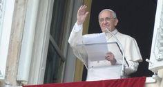 """""""Una persona que ama a los demás es reflejo de la Trinidad"""" - Papa Francisco"""