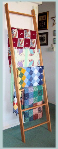 Offering a large selection of Quality custom made Pine, Oak, Cherry, Walnut Quilt Ladders. Many customizable options