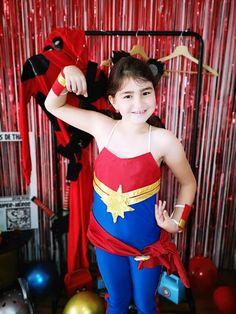 Organiser un anniversaire Marvel - SabrinaBerrich Captain Marvel, Captain America, Costume Thor, Deadpool, Lets Celebrate, Diy Organization, Avengers, Organiser, Celebrities