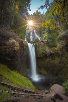 Glimmer by Tula Top - Falls Creek Falls · Gifford Pinchot National Forest · Carson · Washington · USA Beautiful World, Beautiful Places, Beautiful Pictures, All Nature, Amazing Nature, Beautiful Waterfalls, Beautiful Landscapes, Photo Trop Belle, Dossier Photo