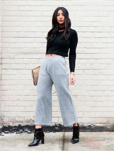 look meia estação com calça cropped cinza