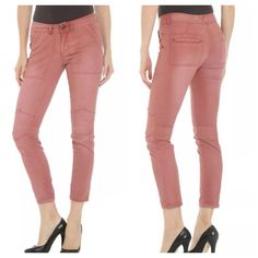 """Free People Skinny Utility Moto Cargo Pants Pink Cute Free People Skinnies!  The waist measures 13.5"""" across, the inseam is 28"""" and the rise is 8"""". Free People Jeans"""