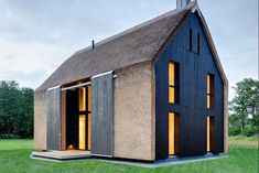 Buildings That Know How To Make A Thatched Roof Look Modern Architecture Durable, Residential Architecture, Interior Architecture, Interior Design, Thatched House, Thatched Roof, Contemporary Barn, Contemporary Architecture, Casa Bunker
