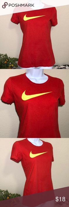 Nike women s red T-shirt slim fit Nike women s red T-shirt slim fit 1612fc8b1
