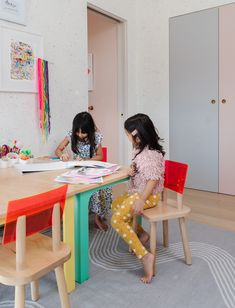 4 Ways to Foster Creativity in Kids - Oh Joy! Leopard Print Wallpaper, Graphic Wallpaper, Playroom Organization, Organized Playroom, Organizing, Playroom Table, Friend Crafts, Happy Colors, The Fosters