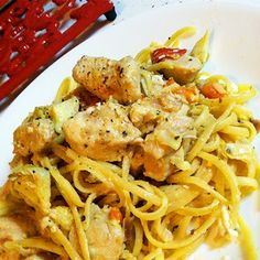Greek Chicken Pasta @keyingredient #cheese #chicken