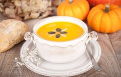 14 Meat-Free Recipes for a Yummy Vegetarian Thanksgiving Dinner Healthy Thanksgiving Recipes, Vegetarian Thanksgiving, Fall Recipes, Soup Recipes, Kid Recipes, Cream Of Pumpkin Soup, Curry, Eating Eggs, How To Cook Potatoes