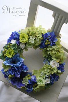 紫陽花とグリーンローズのウェルカムリース