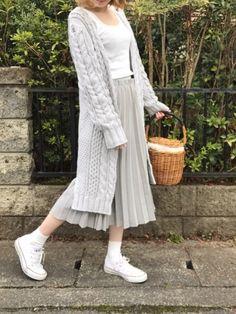 . Hipster Fashion, High Fashion, Fashion Beauty, Womens Fashion, Ulzzang Fashion, Korean Fashion, Modesty Fashion, Hijab Casual, Pastel Fashion