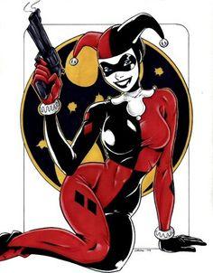 """Harley Quinn, também conhecida como Arlequina vive uma relação de amor e ódio com o Coringa. Ela era uma psicanalista do Asilo Arkham mas acabou se apaixonando pelo """"Palhaço do Crime"""", enlouqueceu de vez e se tornou sua parceira."""