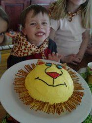 Ladybug Cake Using The Betty Crocker Bake N Fill Cake Pan