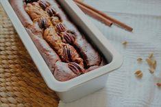"""Samhain Pumpink Bread un plumcake speziato a base di zucca per celebrare il """"Samhain"""" ovvero l'origine di Halloween. Buonissimo e facile!  200g di farina 00 180g di zucchero 500g di zucca a dadini 180ml di acqua 55g olio di mais 2 uova  1 cucchiaino e mezzo di cannella in polvere 1/2 cucchiaino di noce moscata in polvere 1/2 cucchiaino di cardamomo in polvere (o pimento) 1 cucchianino di estratto di vaniglia 1 cucchiaino di lievito per dolci 1/2 cucchiaino di sale continua nel sito.... Samhain Halloween, Bread, Brot, Baking, Breads, Buns"""