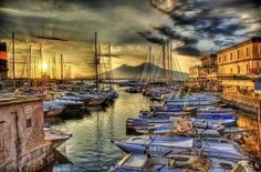Vesuvius from a yacht port in Naples - Italy Travel Notes | Good Things From Italy - Le Cose Buone d'Italia | Scoop.it