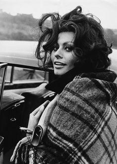 #women AUGUST 1965, SOUTH WALES, SOPHIA LOREN