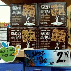 Trader Joe's | Raises the Bar | Dark Chocolate | 6.2oz $2.79 | トレーダージョーズ | レイズ ザ バー グラノーラバー | #traderjoes #bar #granola #granolabar #energybar