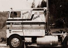 The Dirty Old Trucker Big Rig Trucks, Semi Trucks, Lifted Trucks, Cool Trucks, Peterbilt 379, Peterbilt Trucks, Model Truck Kits, Large Truck, Cab Over