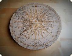 Detalle de tapa kraft con mapa antiguo /DIY traveling box