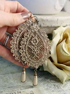 VICTORIAN LACE romantic vintage fantasy inspired antique lace and pearl earrings, free gift box Vintage Accessories, Jewelry Accessories, Vintage Jewelry, Handmade Jewelry, Jewelry Design, Vintage Earrings, Victorian Lace, Antique Lace, Vintage Lace