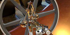 Benson vertical engine, centrifugalregulator.