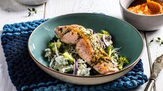Stekt laks med brokkolisalat