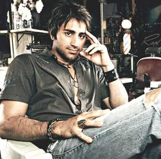 "Steve Azar...from Greenville, Mississippi...the town that I grew up in...such a beautiful voice!!!  LOVE his song ""Sunshine""!!!  Belinda"