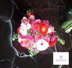 Hermoso arreglo florar para el día de tu boda en San Miguel de Allende, Gto.  www.bougainvilleasanmiguel.com.mx Foto: Ernesto Morales #destinationweddings #sanmigueldeallende.#Guanajuato #weddingsmexico