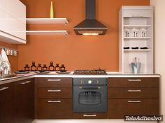Super cool kitchen color ideas & schemes for large and small kitchens. *With regularly Updated gallery for the latest kitchen color trends. Kitchen Colour Schemes, Kitchen Paint Colors, Color Schemes, Traditional Kitchen Paint, Small Kitchen Ideas On A Budget, Best Bedroom Paint Colors, Deco, Kitchen Wall Decals, Cuisines Design