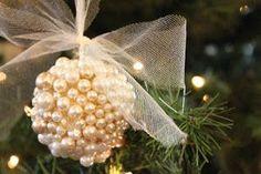 DIY Christmas ornament tutorial- pearl ornaments look pretty classy Christmas Ornament Crafts, Noel Christmas, Christmas Projects, All Things Christmas, Winter Christmas, Holiday Crafts, Christmas Decorations, Pearl Decorations, Christmas Ideas