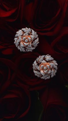 rose gold earrings with diamond petals Jewelry Design Earrings, Gold Earrings Designs, Ear Jewelry, Bridal Jewelry, Gold Ring Designs, Gold Bangles Design, Gold Jewellery Design, Fancy Jewellery, Stylish Jewelry