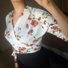 In love with the Ella Blouse! Such a wonderful wardrobe staple Sew Over It Patterns, Dress Making Patterns, Sewing Patterns, Fashion Sewing, Diy Fashion, Fashion Outfits, Sewing Clothes Women, Women's Clothes, Sewing Blouses