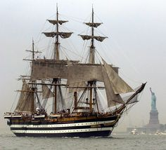 Se siete a New York non perdete l'occasione di visitare la splendida Nave Scuola della Marina Militare Amerigo Vespucci