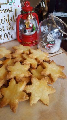 Almond shortbread and orange blossom - dessert Köstliche Desserts, Delicious Desserts, Dessert Recipes, Yummy Food, Shortbread, Galletas Cookies, Biscuit Cookies, Christmas Desserts, Christmas Drinks