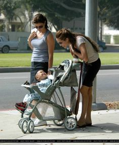 2003/09/27 - Take Maddox out for morning stroll - 270903 Jolie Maddox morning stroll 06 - Angelina Jolie Photo
