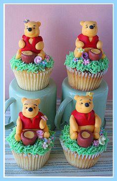 Winnie The Pooh Pull Apart Cupcake Cake