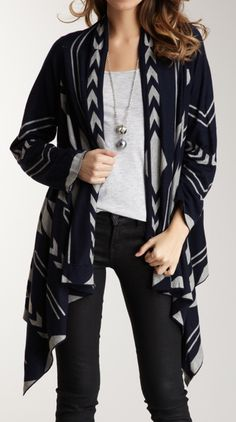 I would like to try an aztec print Cardigan but I'm scared! I like this one, its not too crazy :) Fall Winter Outfits, Autumn Winter Fashion, Fashion Outfits, Womens Fashion, Fashion Clothes, Passion For Fashion, Cute Outfits, My Style, Stylish