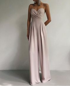 Teen Fashion Outfits, Classy Outfits, Look Fashion, Stylish Outfits, Fashion Dresses, Elegant Dresses Classy, Fashion Tips, Formal Evening Dresses, Strapless Dress Formal