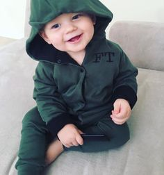 Louis Tomlinson welcomed his first child, a baby boy named Freddie Reign, in January 2016 with friend Briana Jungwirth, and since then, we& been treated to Louis Tomlinsom, Louis And Harry, Louis Tomlinson Family, Freddie Reign Tomlinson, Briana Jungwirth, The Joys Of Motherhood, Cutest Babies Ever, One Direction Singers, Louis Williams