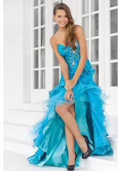 thinkin i'm gonna get something like this for next year's prom(: