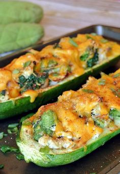 Broccoli Chicken Zucchini Boats A delicious and nutrient rich lunch will bring you back and wanting seconds! Check out the Broccoli Chicken Zucchini Boats shared via www. Chicken Zucchini Boats, Zucchini Boat Recipes, Broccoli Chicken, Vegetable Recipes, Stuffed Zucchini Recipes, Stuffed Zucchini Boats, Zucchini Spaghetti, Healthy Zucchini, Zucchini Cake