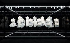 """Exposition """"Esprit Dior"""" http://www.vogue.fr/mode/news-mode/diaporama/la-pre-collection-l-exposition-et-la-nouvelle-boutique-dior-a-tokyo/21028#!6"""