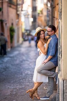 Creative and Unique Photo Shoot in Rome Italy by the Andrea Matone Photography studio. Rome Photography, Model Poses Photography, Photography Services, Photography Women, Couple Photography, Street Photography, Photography Ideas, Urban Family Photos, Couple Posing