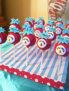 cat in the hat- add thing 3 ones and I think we& have a perfect birthday party treat! Boys First Birthday Party Ideas, Dr Seuss Birthday Party, Birthday Party Treats, Twin Birthday Parties, Baby First Birthday, 5th Birthday, Cakepops, Dr Seuss Party Ideas, Dr Seuss Baby Shower Ideas