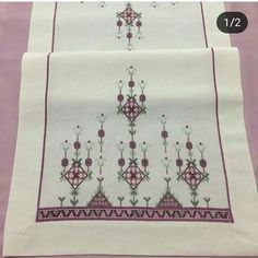 This Pin was discovered by Şul Cross Stitch Designs, Cross Stitch Patterns, Embroidery On Kurtis, Palestinian Embroidery, Free To Use Images, Christmas Embroidery, Bargello, Free Knitting, Cross Stitch Embroidery