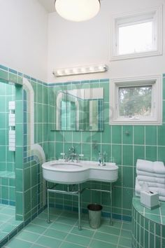 art deco style green tile...absolutely loooove this color of green!!