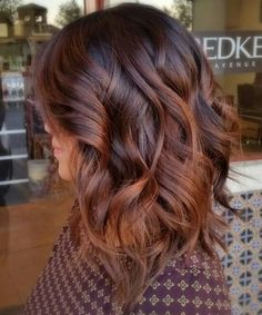 Cute Medium Thick Wavy Hairstyles for Women